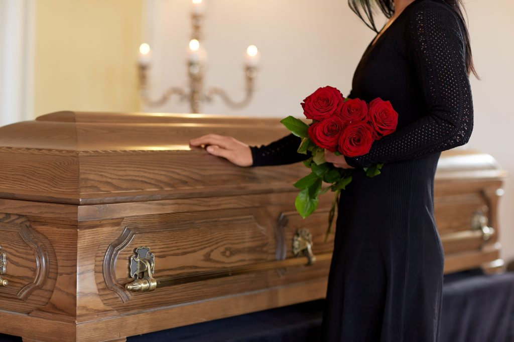How Do You Structure a Funeral Service?